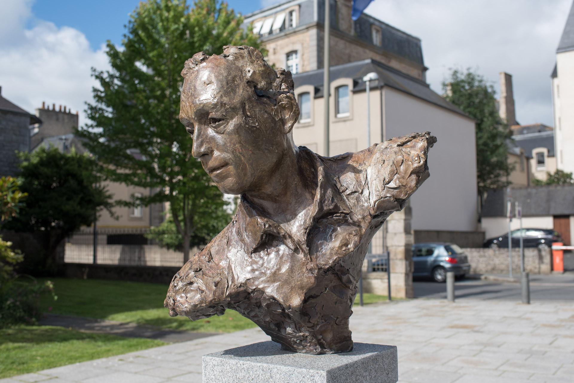 Albert-Camus-Roger-Vene-Bronze-H72cm-6