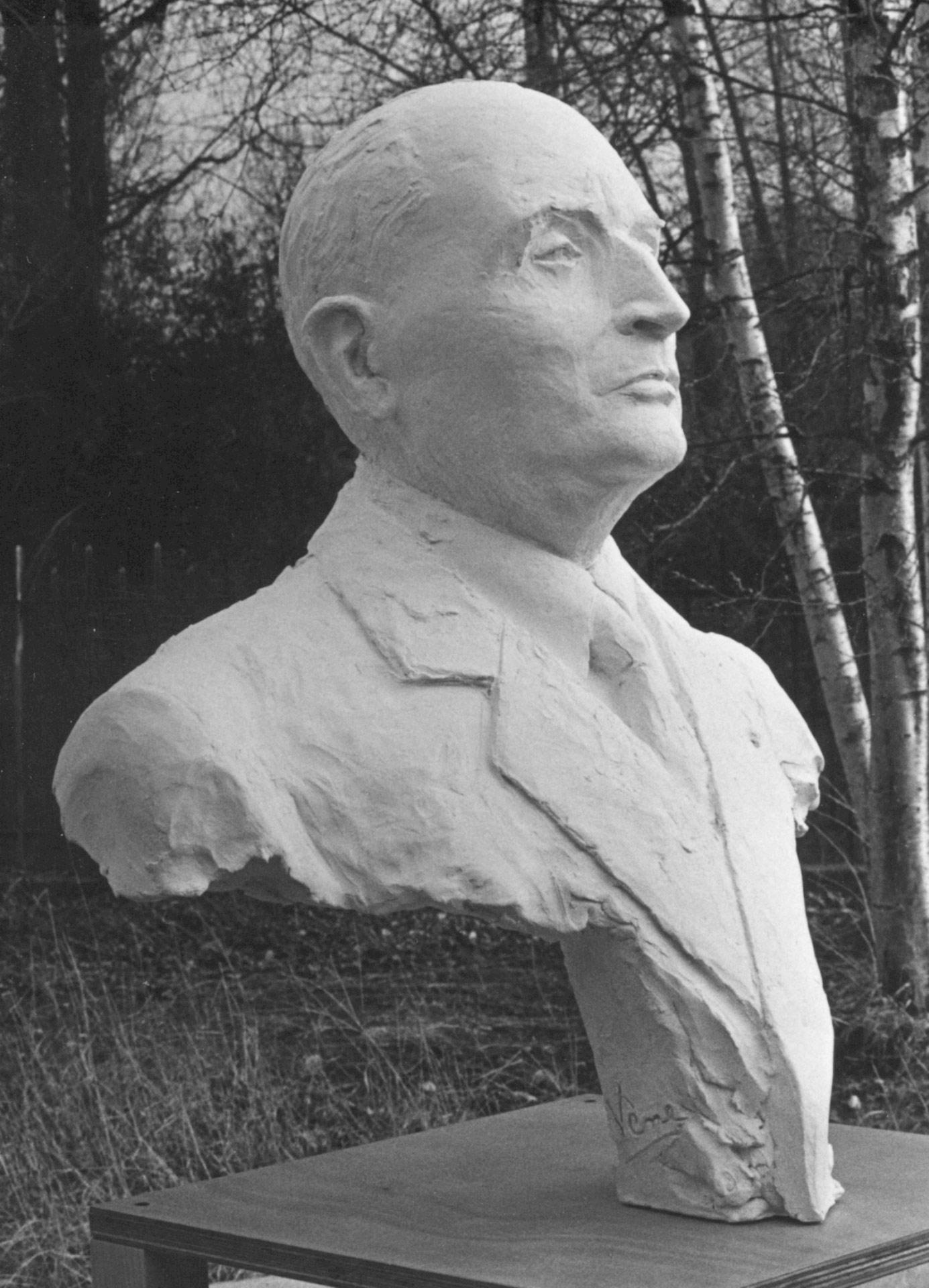 François-Mitterrand-74cm-2